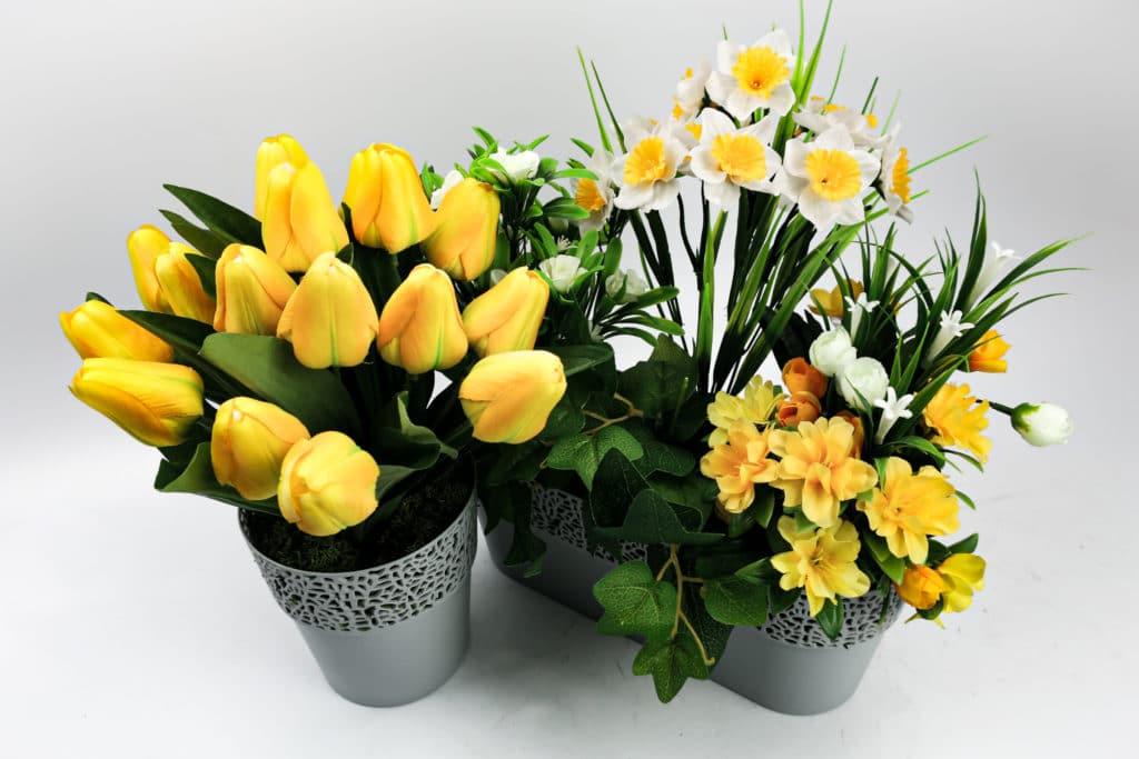 Plante artificielle jaune