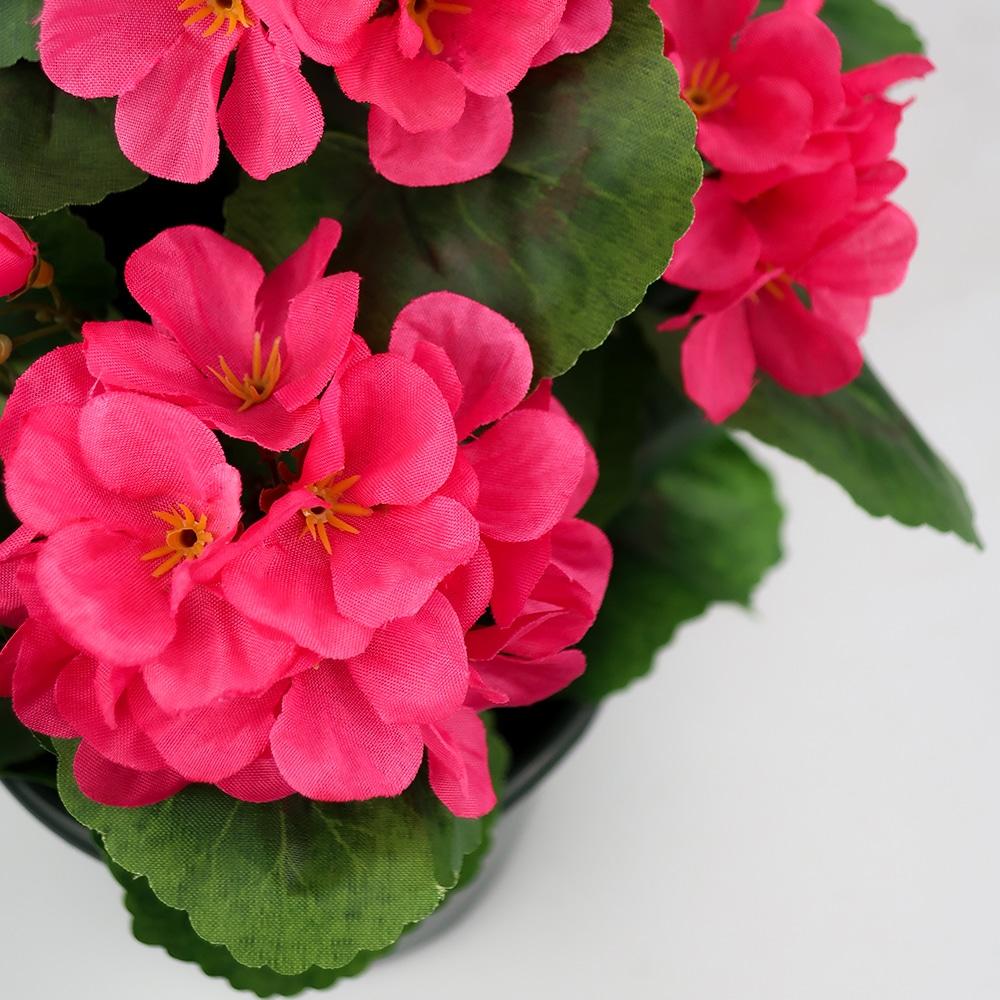 Plante artificielle fuchsia